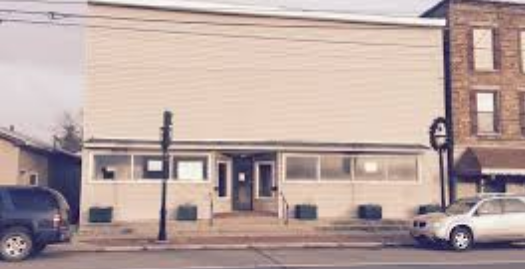 Vacant Commercial Building for Sale* Amazing Location for Food Business*Ideal for 6 Family* Investors – Contractors Welcome
